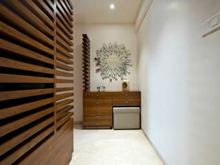 Residence Interiors at Mukundnagar, Pune:  Living room by Urban Tree,