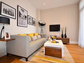 Admiral House Camberley:  Living room by Househam Henderson