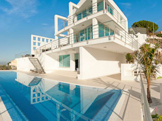 Casa Vary Minimalist pool by Househam Henderson Minimalist