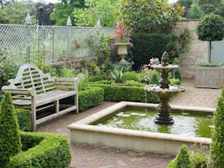 Formal Gardens :   by Eaglestone Landscape Design
