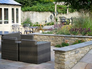 Rural Garden:   by Eaglestone Landscape Design