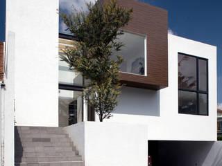 CoRREA Arquitectos Modern houses