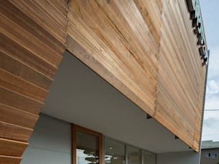 Studio R1 Architects Office Walls Wood Brown