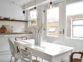 Appartement tbv verhuur in Haarlem:  Keuken door Atelier09, Industrieel