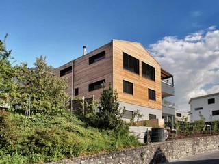 Einfamilienhaus in Igis: moderne Häuser von Voser Architektur