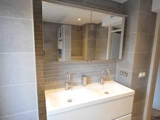 Badkamer referentie Alkmaar - AGZ badkamers en sanitair:  Badkamer door AGZ badkamers en sanitair