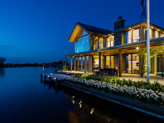 WATERVILLA RIJPWETERING: moderne Huizen door DENOLDERVLEUGELS Architects & Associates