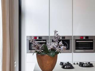 moderne keuken: moderne Keuken door choc studio interieur