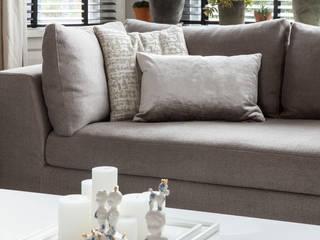 lounge sofa van Meridiani: modern  door choc studio interieur, Modern