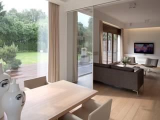 Apartament Eco-Park: styl , w kategorii  zaprojektowany przez Pracownia Stolarska Top Design