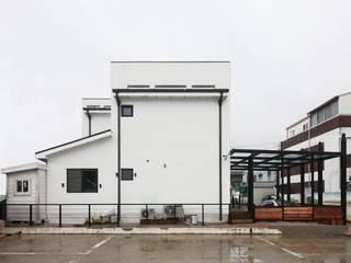 서로 다른 공간의 완벽한 어울림(대전 문창동 주택) 모던스타일 주택 by 윤성하우징 모던