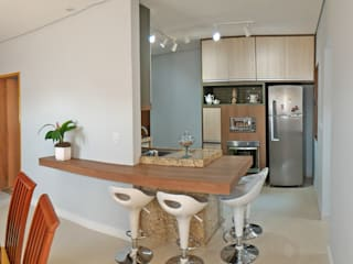 Cocinas de estilo moderno de Nailê Rabelo - arquitetura e design Moderno