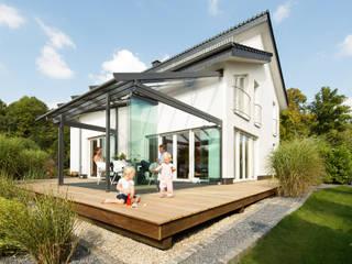 Balkon, Beranda & Teras Modern Oleh Solarlux GmbH Modern