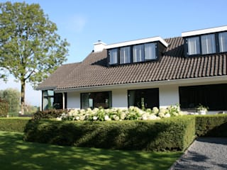 Country style house by Brand I BBA Architecten Country