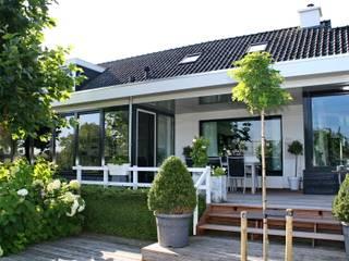 Nhà by Brand BBA I BBA Architecten