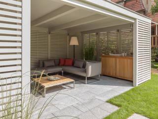 Jardins modernos por dieMeisterTischler Moderno