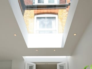 Various Skylight Installation Projects with 4C Developments Sunsquare Ltd Finestre & Porte in stile moderno