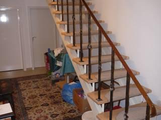 Einbauschrank unter einer Treppe DÖRR planen+einrichten
