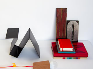 'Glint' #3 desk lamp:   por GALULA