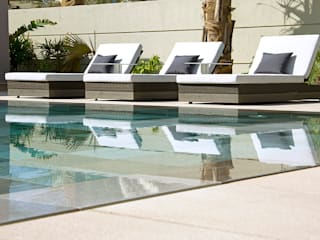 Double board overflow swimming pool: modern Pool by Xterior Landscaping and Pools