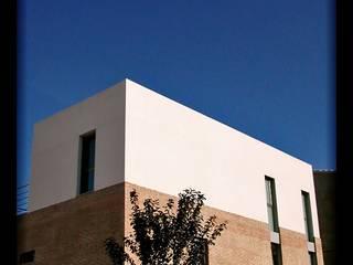 Casa Cullera1: Casas de estilo  de DAU arquitectos