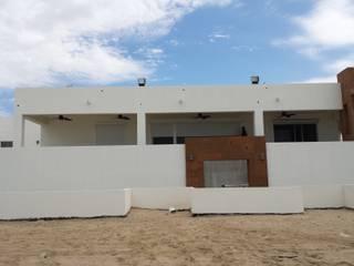 PERSIANA EUROPEA ALUMINIO (para exteriores): Casas de estilo  por HLA181026V73