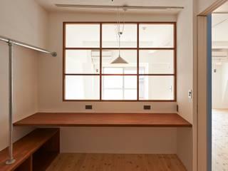 豪徳寺のマンションリノベーション オリジナルデザインの 書斎 の 佐賀高橋設計室/SAGA + TAKAHASHI architects studio オリジナル