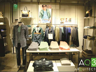 Benetton: Centros Comerciales de estilo  por AQ3 Arquitectos