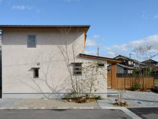 Casas estilo moderno: ideas, arquitectura e imágenes de バウムスタイルアーキテクト一級建築士事務所 Moderno