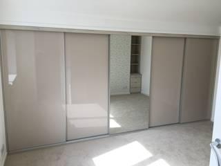 Master bedroom: minimalistic Bedroom by Design 4 living UK