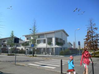 Residenza Blanka: Case in stile in stile Moderno di Ivan Rivoltella