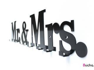 wieszak z napisem do przedpokoju na kurtki Mrs. & Mr.: styl , w kategorii  zaprojektowany przez Bucha