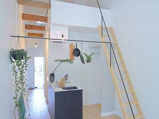 斜め視点: studio m+ by masato fujiiが手掛けた壁です。
