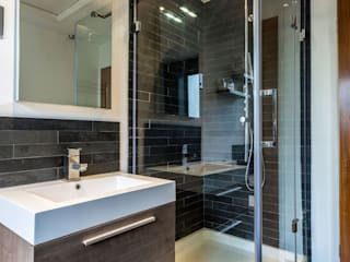 Modern Sleek Bathroom Modern houses by mrs stone store Modern