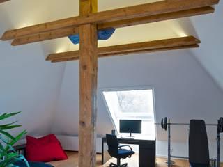 Estudios y biblioteca de estilo  por GRID architektur + design