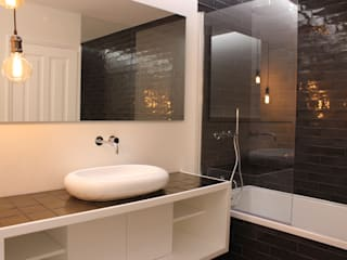 G.R design Modern bathroom
