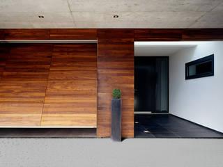 REFUGIUM:  Garage & Schuppen von Hunkeler Partner Architekten AG