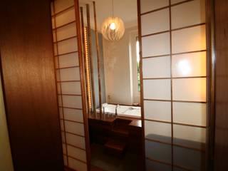 Salle de bain avec vue sur la verdure Salle de bain asiatique par LM Interieur Design Asiatique