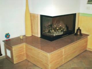 Falegnameria Martinelli Sergio ห้องนั่งเล่นเตาผิงและของตกแต่ง ไม้