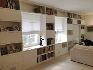 Falegnameria Martinelli Sergio ห้องนั่งเล่นชั้นวางทีวีและตู้วางทีวี ไม้ White