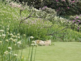 Jardines de estilo  por Stephan Maria lang Architektengesellschaft, Rural
