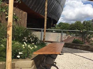 EGOCENTRICA: Giardino in stile in stile Classico di Officineeda