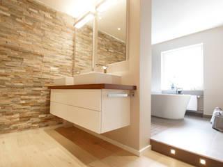 Wohnung K Moderne Badezimmer von Bettina Wittenberg Innenarchitektur -stylingroom- Modern