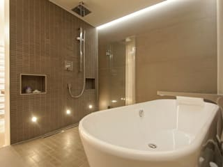 Modern style bathrooms by Bettina Wittenberg Innenarchitektur -stylingroom- Modern
