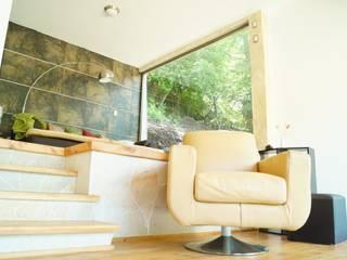 Loft Manatí Salones minimalistas de T+E ARQUITECTOS Minimalista
