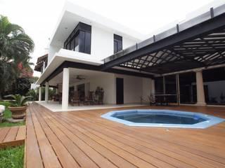 Moderne spa's van AIDA TRACONIS ARQUITECTOS EN MERIDA YUCATAN MEXICO Modern