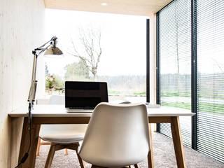 Rumah Modern Oleh Hiloft Modern