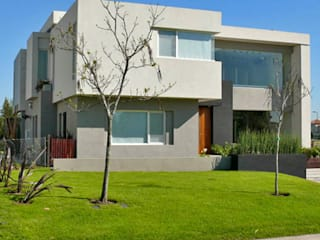 CASA BR - Estudio Fernandez+Mego Casas modernas: Ideas, imágenes y decoración de Estudio Fernández+Mego Moderno