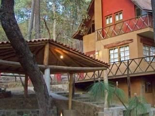 Cabañas Sierra Tlapalli (Tapalpa) de IVSa Arquitecto´S Clásico