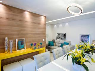 Modern dining room by Vanda Carobrezzi - Design de Interiores Modern